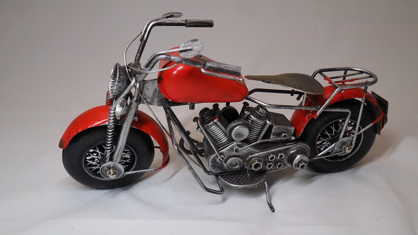 Dekorační motorka červená dl. 24cm